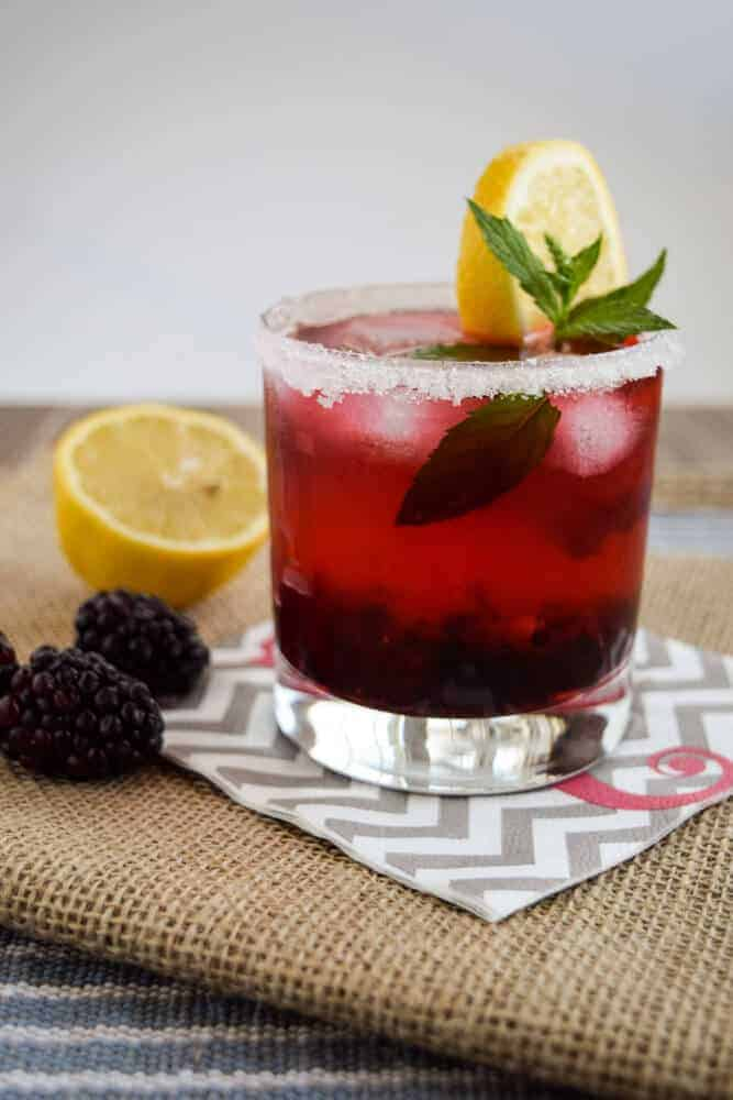 Easy Blackberry Vodka Mojito