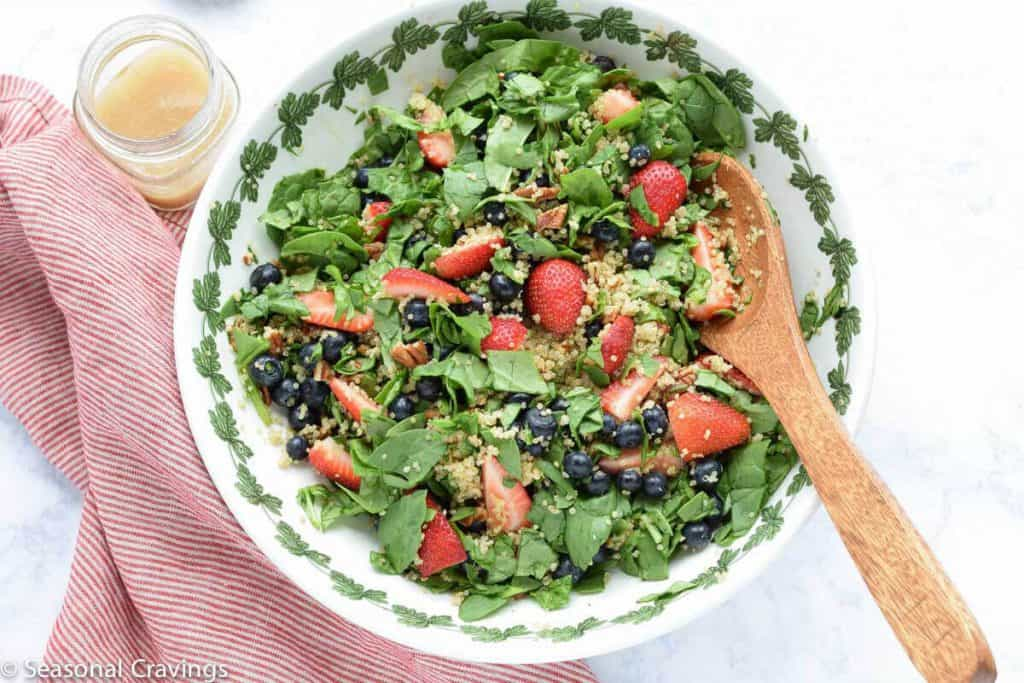 Quinoa with Spinach and Berries