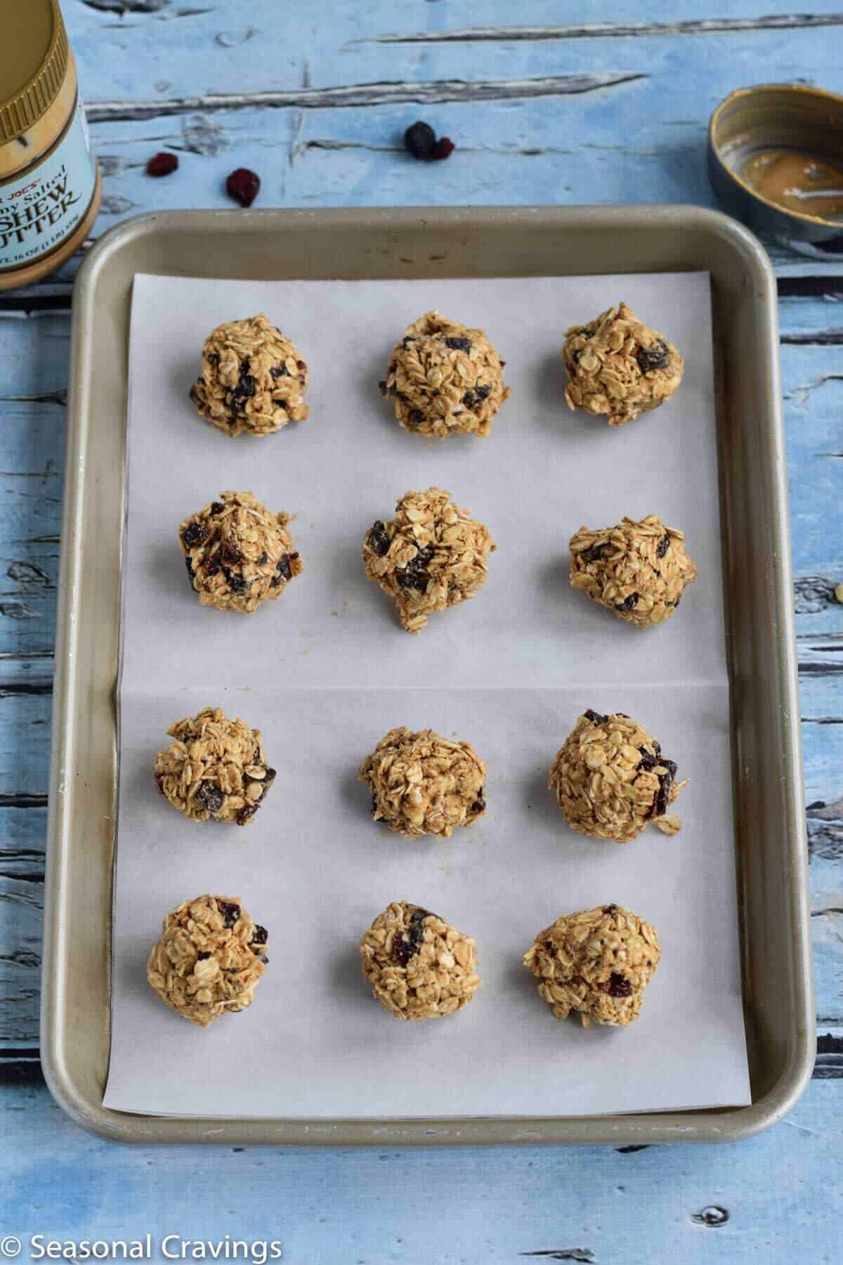 Chocolate Cashew Energy Balls