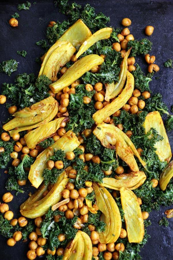 turmeric-fennel-chickpeas-kale