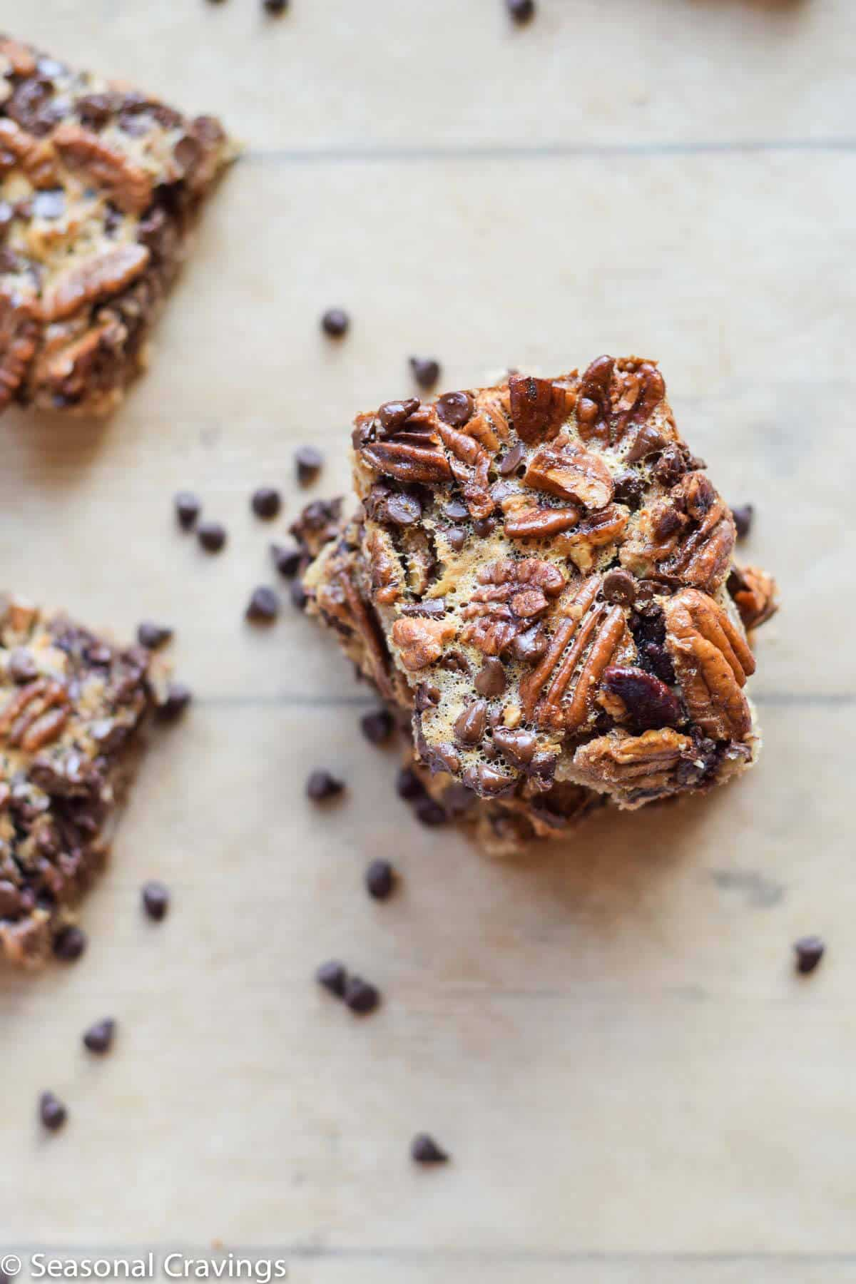 Gluten Free Chocolate Pecan Pie Bars - rich, sweet and deliciously sticky {gluten free}