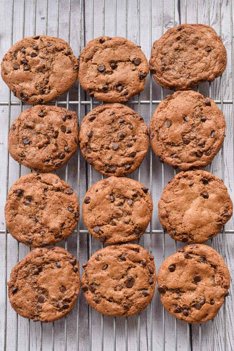 Grain Free Almond Chocolate Chip Cookies - a healthy, easy version that will satisfy cravings (gluten free)