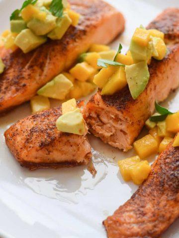 Skinny Chili Salmon with Avocado and Mango
