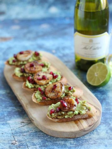Crostini with Scallops and Avocado