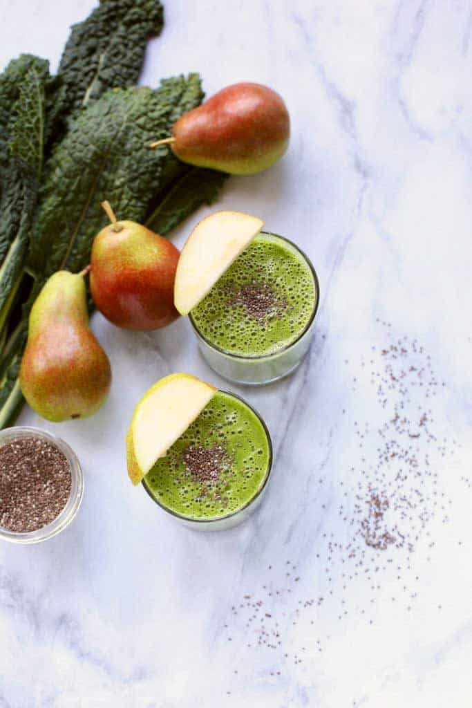 Green Kale, Pear and Almond Smoothie