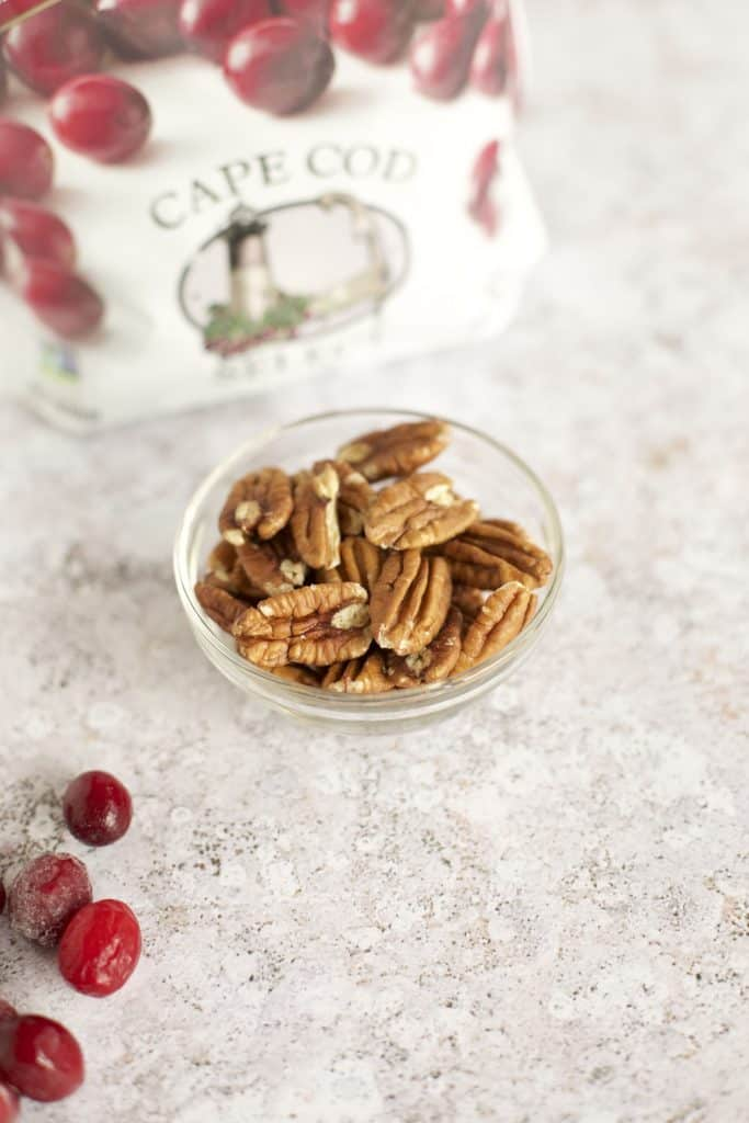 baked brie cranberry with nuts