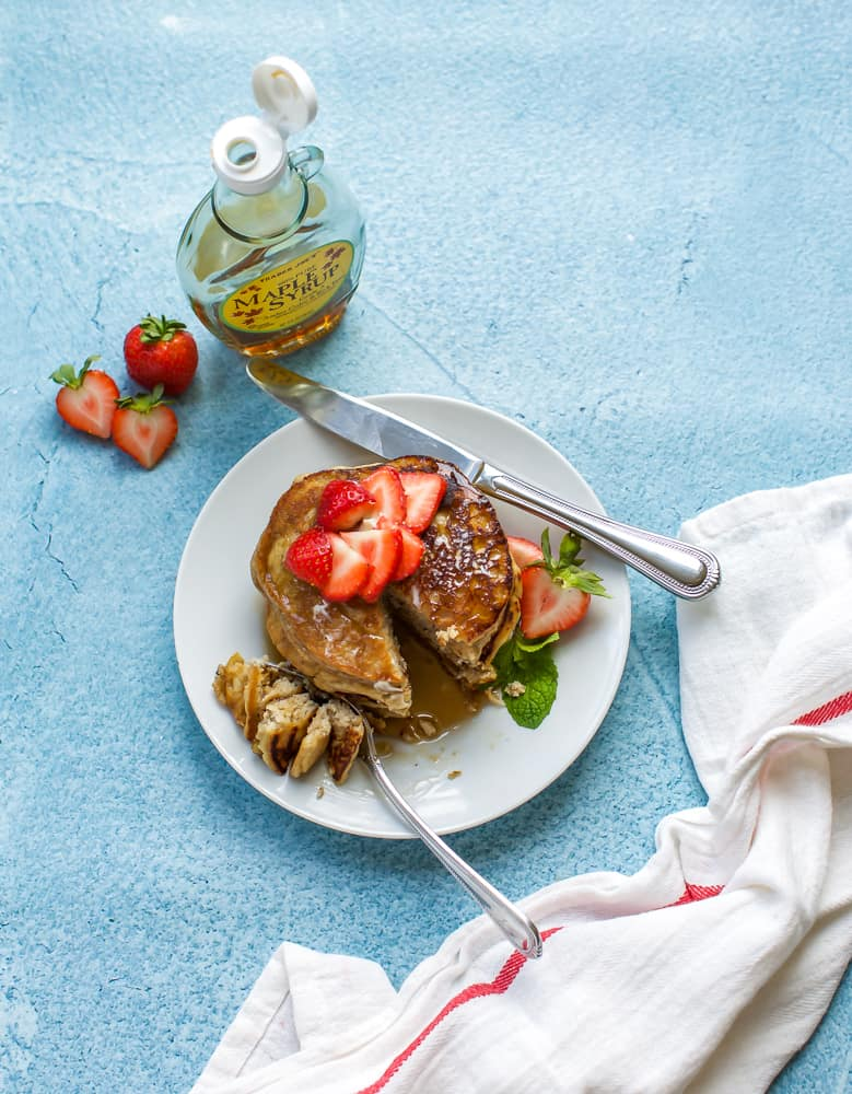 low carb pancakes with strawberries